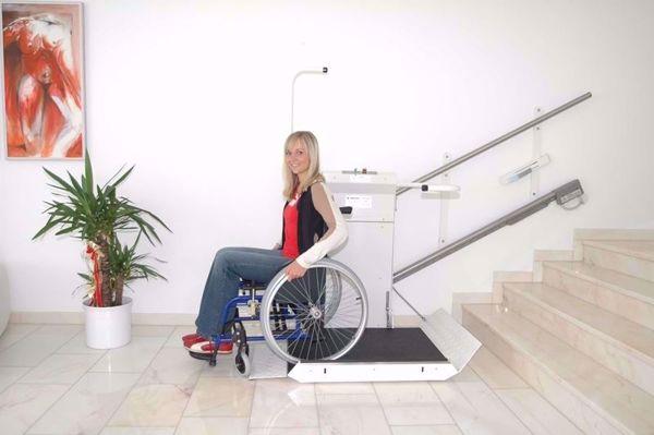Plattformlift Delta/ Rollstuhllift